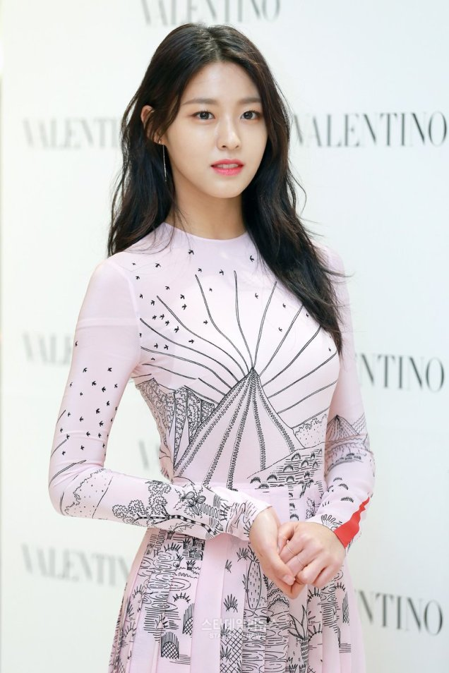 aoa-seolhyun-event-170228-valentino-store-opening-koreandreamgirls-01-001