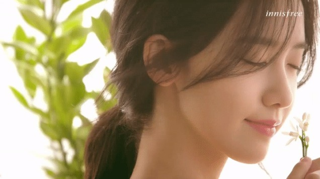 snsd-yoona-photo-cf-innisfree-170301-eau-de-toilette-msma-01-002